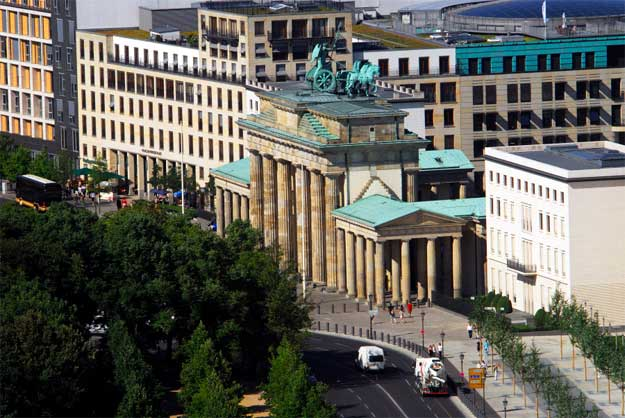 Poarta-Brandenburg-2