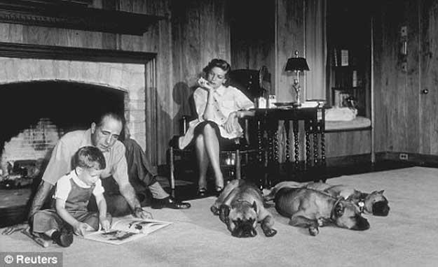 http://webcultura.ro/wp-content/uploads/2014/05/Bogart-Bacall-2.jpg