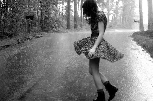 dans-in-ploaie