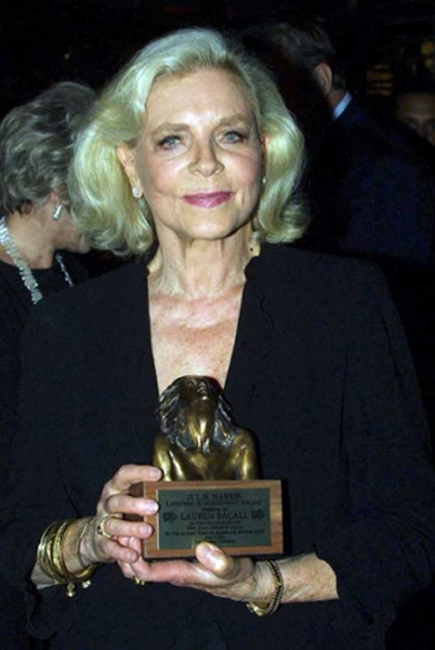 http://webcultura.ro/wp-content/uploads/2014/08/Bacall-6.jpg