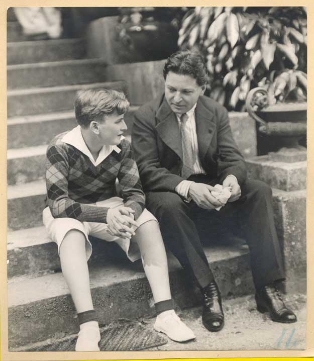 Arhiva: George Enescu alaturi de discipolul său, legendarul Yehudi Menuhin