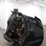 Artistul care distruge masini in numele artei