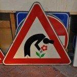 Mesajul ascuns al semnelor de circulatie