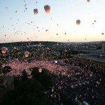 Iasi: peste 12.000 de lampioane lansate