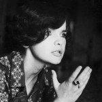 Sesiune de autografe Margareta Paslaru la Ceainaria Carturesti
