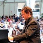 Horia Mihail: concerte de pian în Cișmigiu și Herăstrău