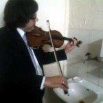 Triplu concert pentru robinet, țevi de apă și vioară