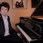 Cum să cânți la pian (fără să știi să cânți)