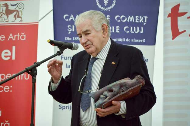 Poetul spaniol Antonio Gamoneda primind Marele Premiu (credit foto: Ovidiu Manoilescu).