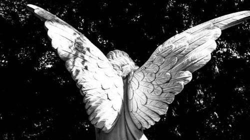 Îngerul cu aripile frânte